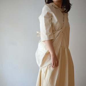 Apuntob natural collar dress